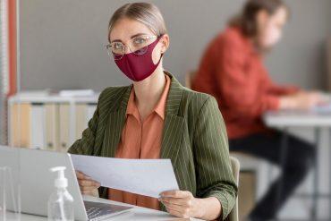No llevar bien puesta la mascarilla en el trabajo