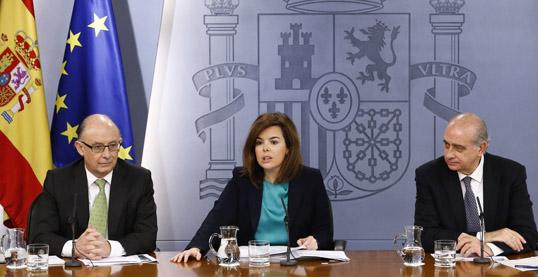 La Vicepresidenta del Gobierno junto al Ministro de Hacienda y el MInistro de Defensa - INEAF